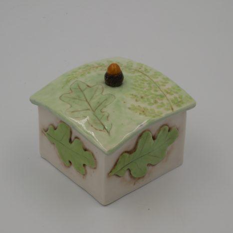 summer acorn box